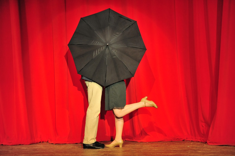 SITR- umbrella kiss